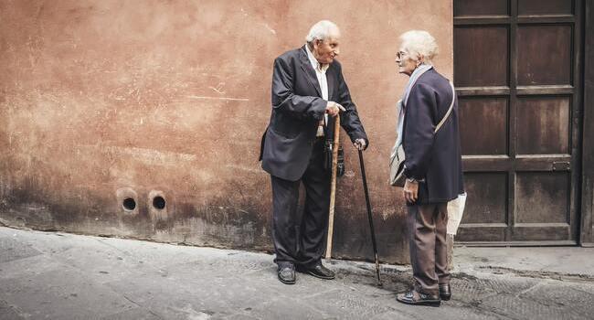 ejercicios físicos para fortaleces la salud de los ancianos